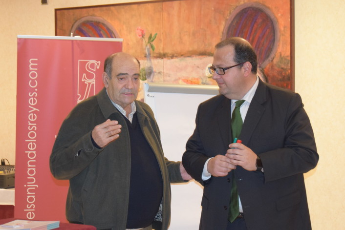 inauguración del curso por parte del presidente José Ramón jarones (izquierda)