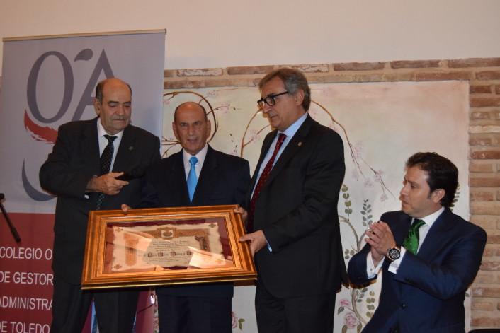 nombramiento-de-secretario-de-honor-a-jose-maria-medina-y-lorenzo